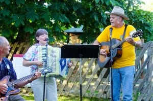 worship singing outdoors